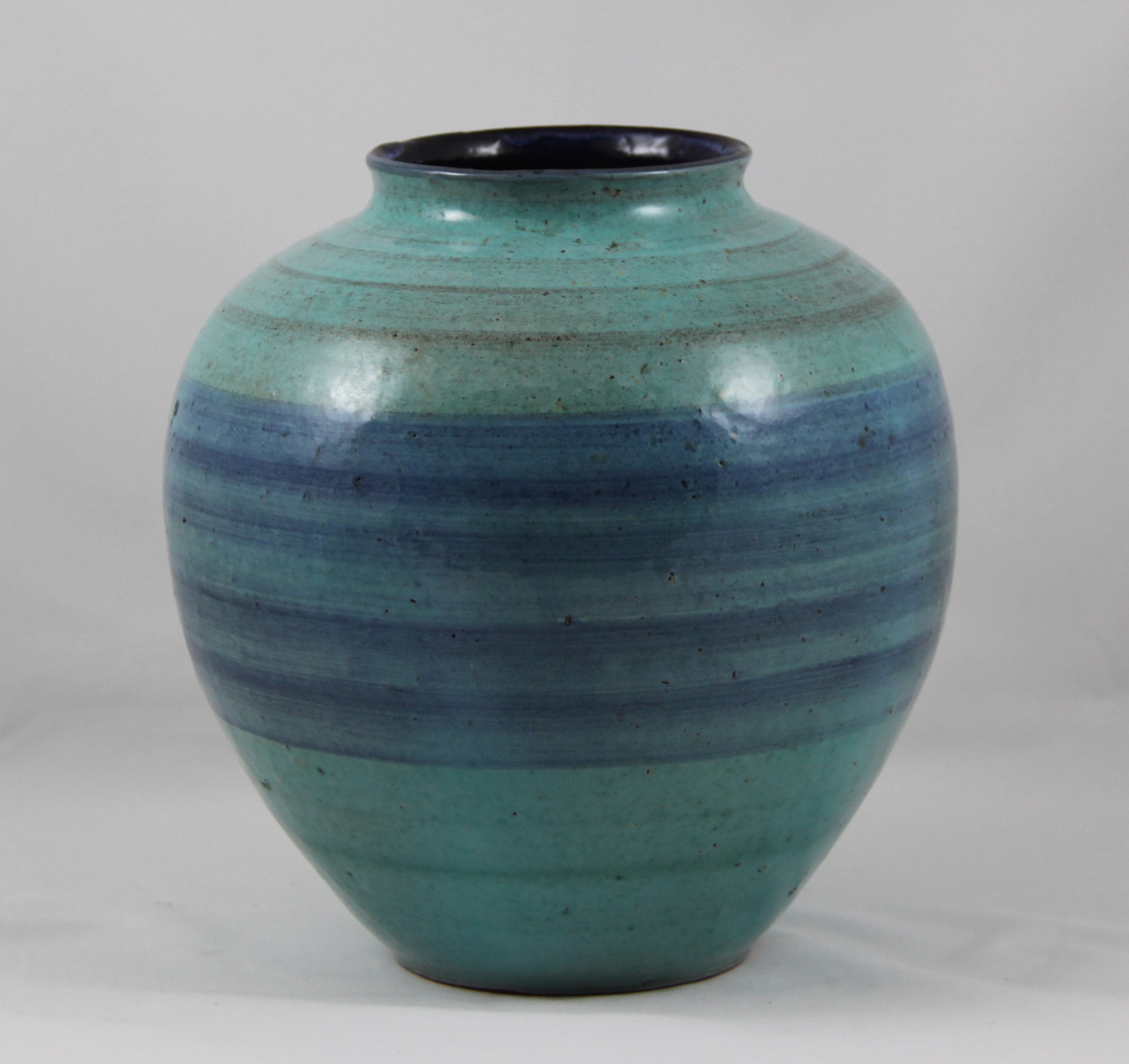 Allan Lowe – Vase